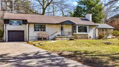 1036 REBECCA Street Oakville L6L1Y5, 3 Bedrooms Bedrooms, ,1 BathroomBathrooms,Single Family,For Lease,REBECCA,40126680